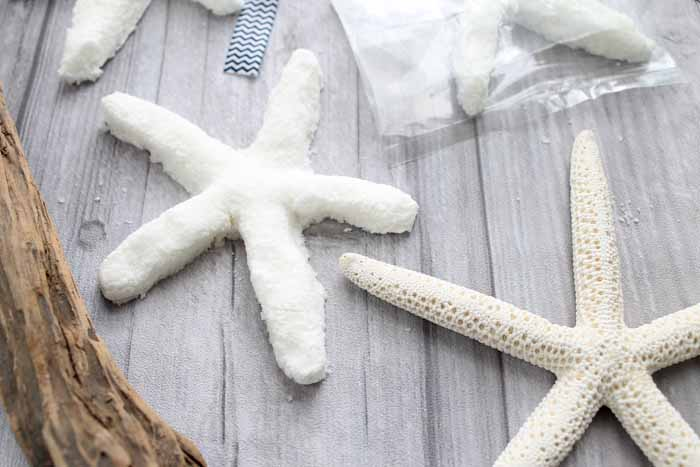 Making bath bombs in a starfish shape is actually really easy! Get the complete instructions here!