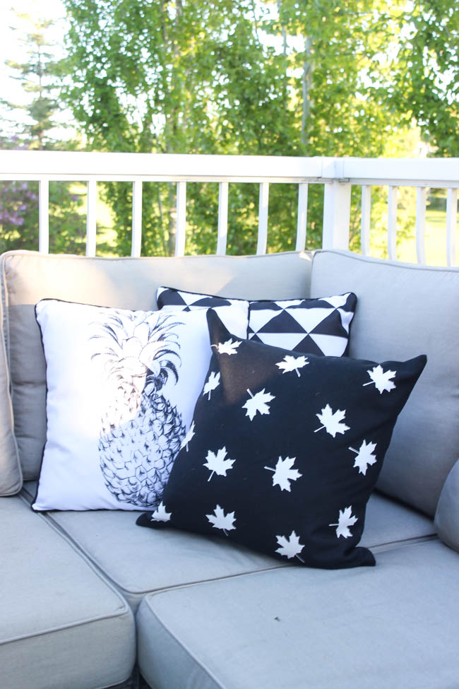 DIY crafts for canada day | DIY throw pillows | Resin Crafts | Canada Day projects | Resin DIY | Resin Decor | Canada Day project | Canada Day celebration | Party ideas for Canada Day |