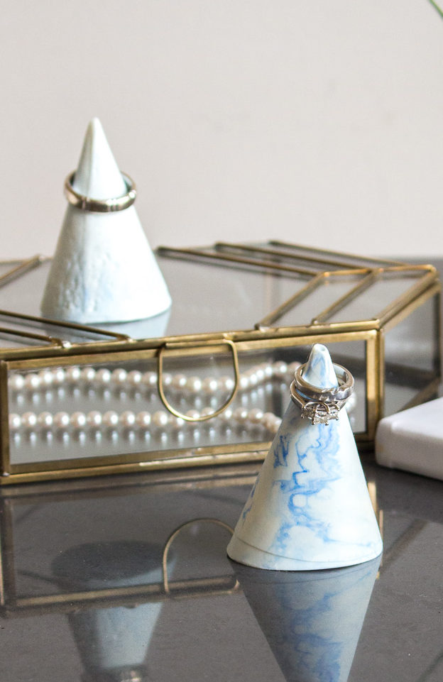 Make your own trendy faux marble ring cone. A useful and beautiful DIY jewelry organizer idea. Full tutorial included!