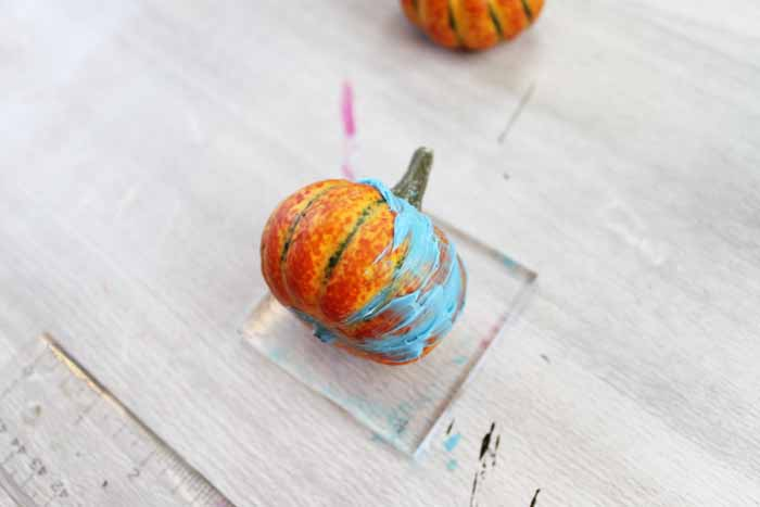 Add a pumpkin spice soap to your bathroom this fall! They are absolutely perfect when poured into pumpkin shapes! How to make the mold is included!