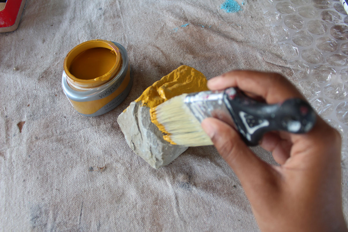 Protecting and decorating found rocks for décor | whitney j décor| resin diy projects | painted rocks | display rocks project | Diy rock project | decorating rocks | styling a home with rocks | rock décor | rock styling | resin rock project | envirotex lite projects | resin craft projects |