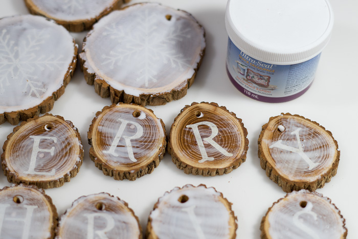 Resin Coated Merry Christmas Wood Slice Garland- all wood slices sealed with ultra seal, ket dry