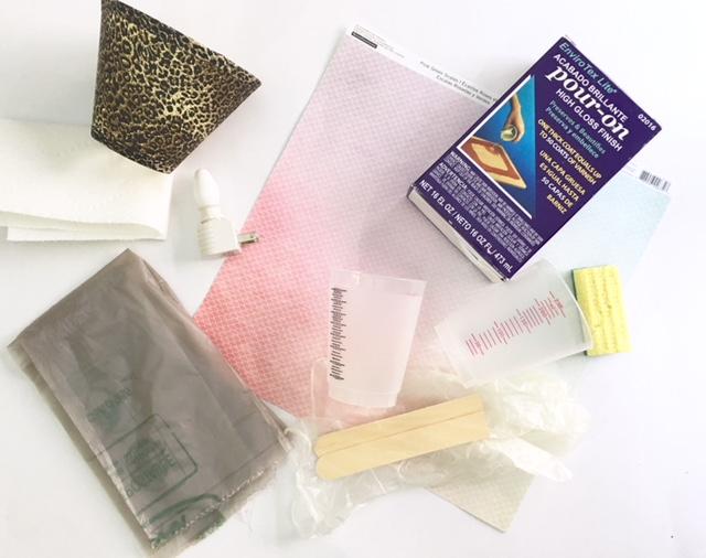 Supplies needed to make resin paper with EnviroTex Lite \ DIY nighlight shade tutorial #resincrafts #resincraftsblog #envirotexlite