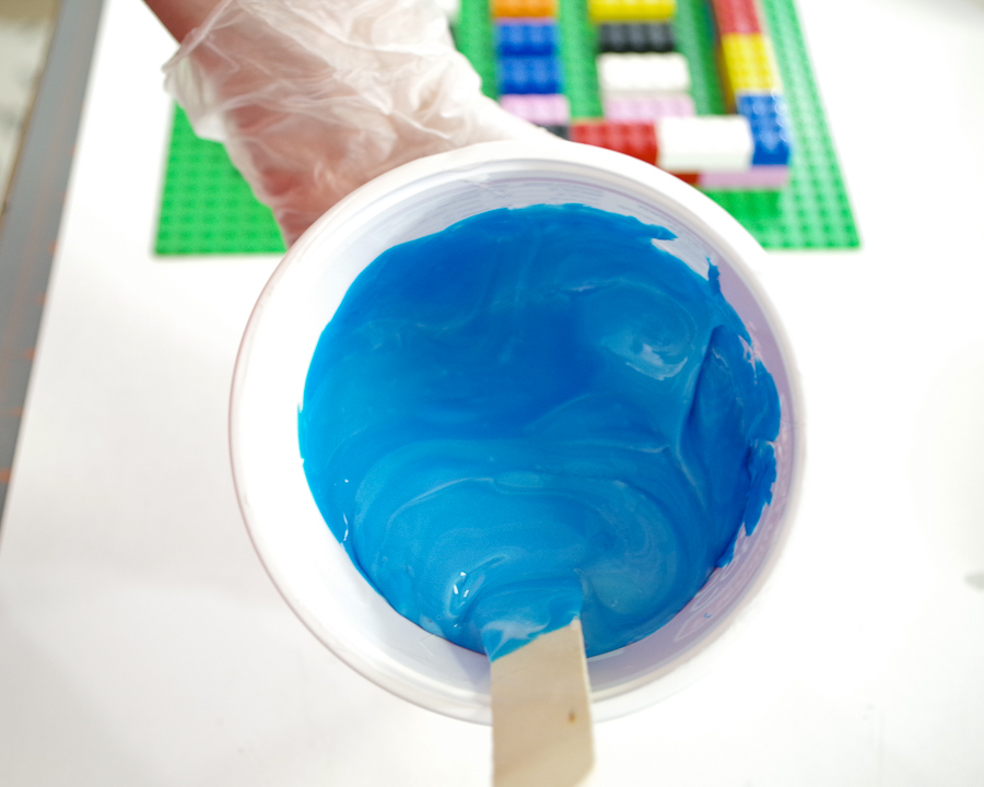 DIY Lego Mold using silicone rubber - mix until it is one solid blue color