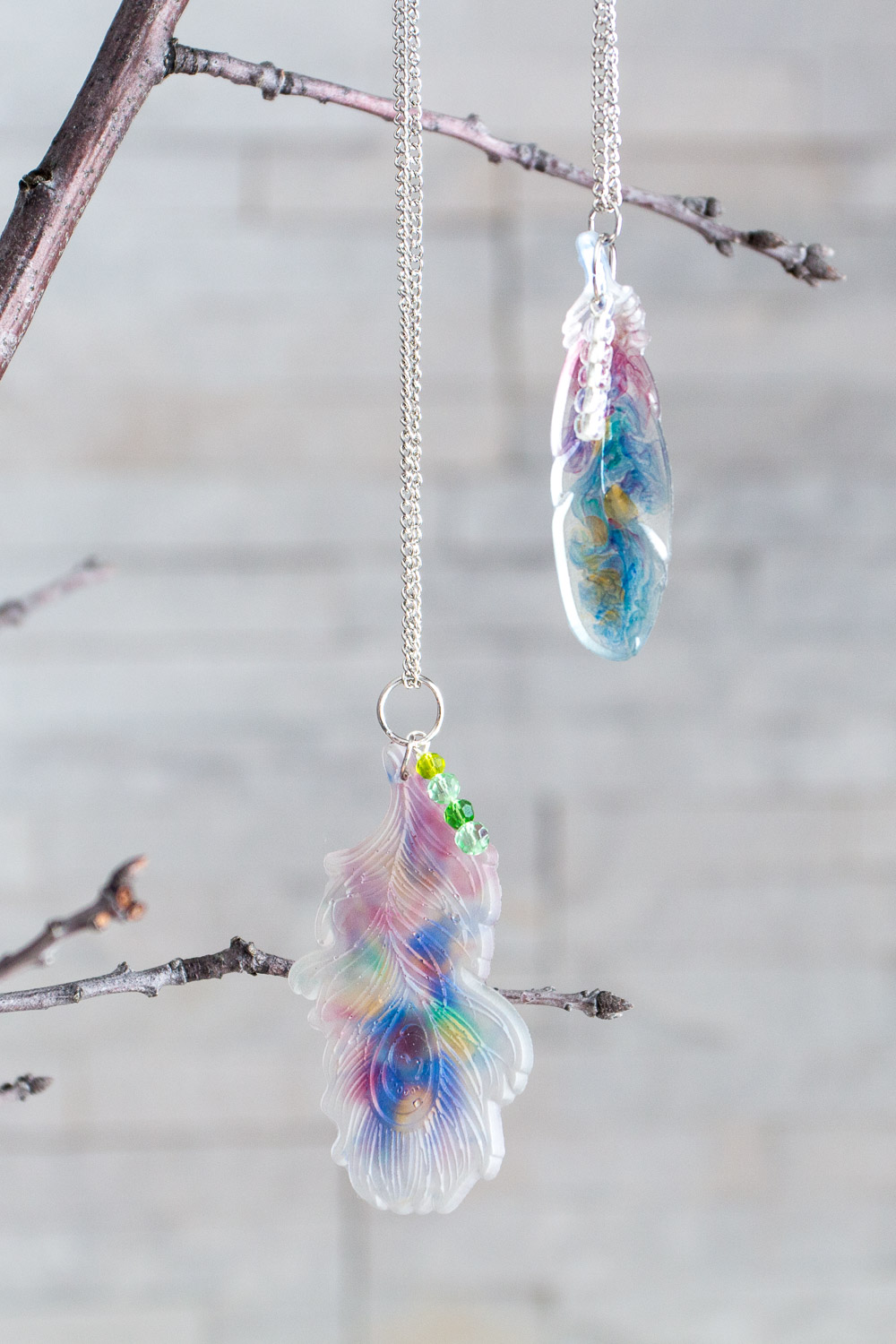 These DIY resin feather pendants are a fun way to add a little nature to your wardrobe. With a faux watercolor effect, these pretty and earthy pendants would make the perfect boho style accessory.