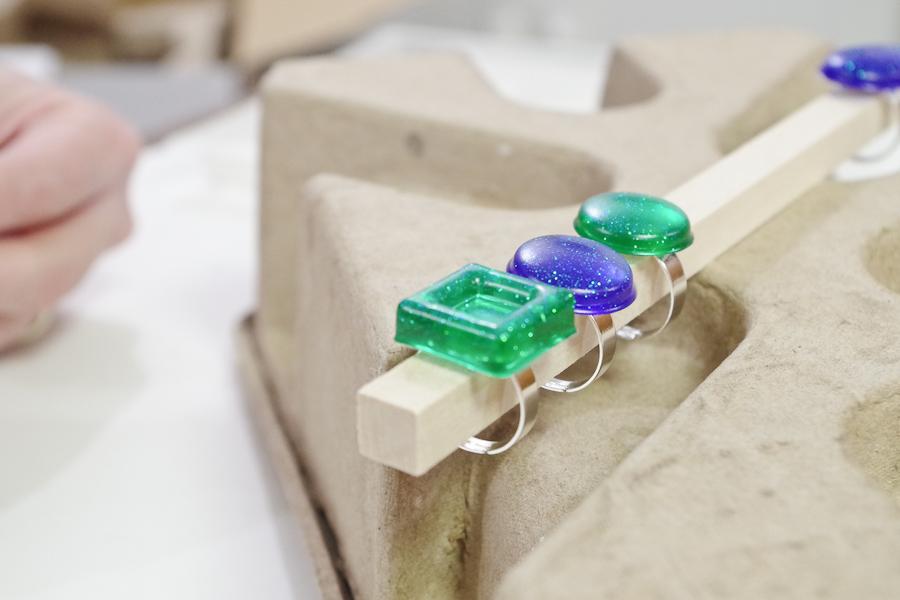 Resin Glitter Rings- let super glue dry
