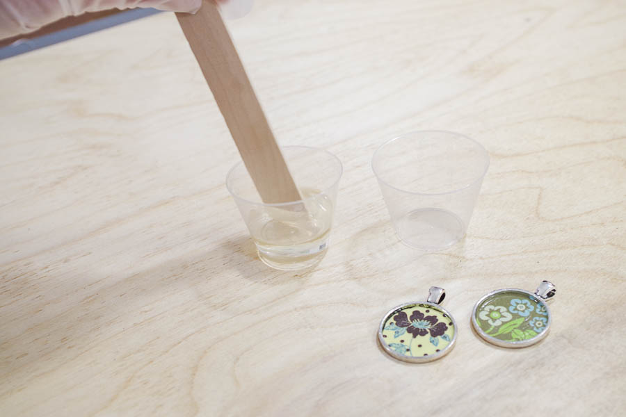 DIY paper and resin pendants - pour equals amounts of parts A and B and mix together