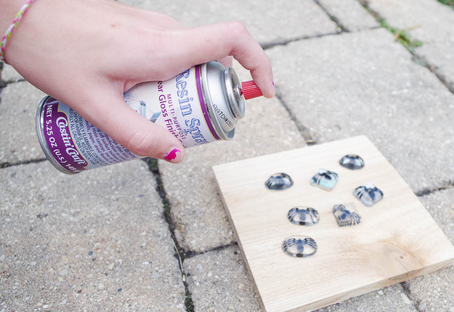 DIY Spider Resin Rings - once cured spray with resin spray