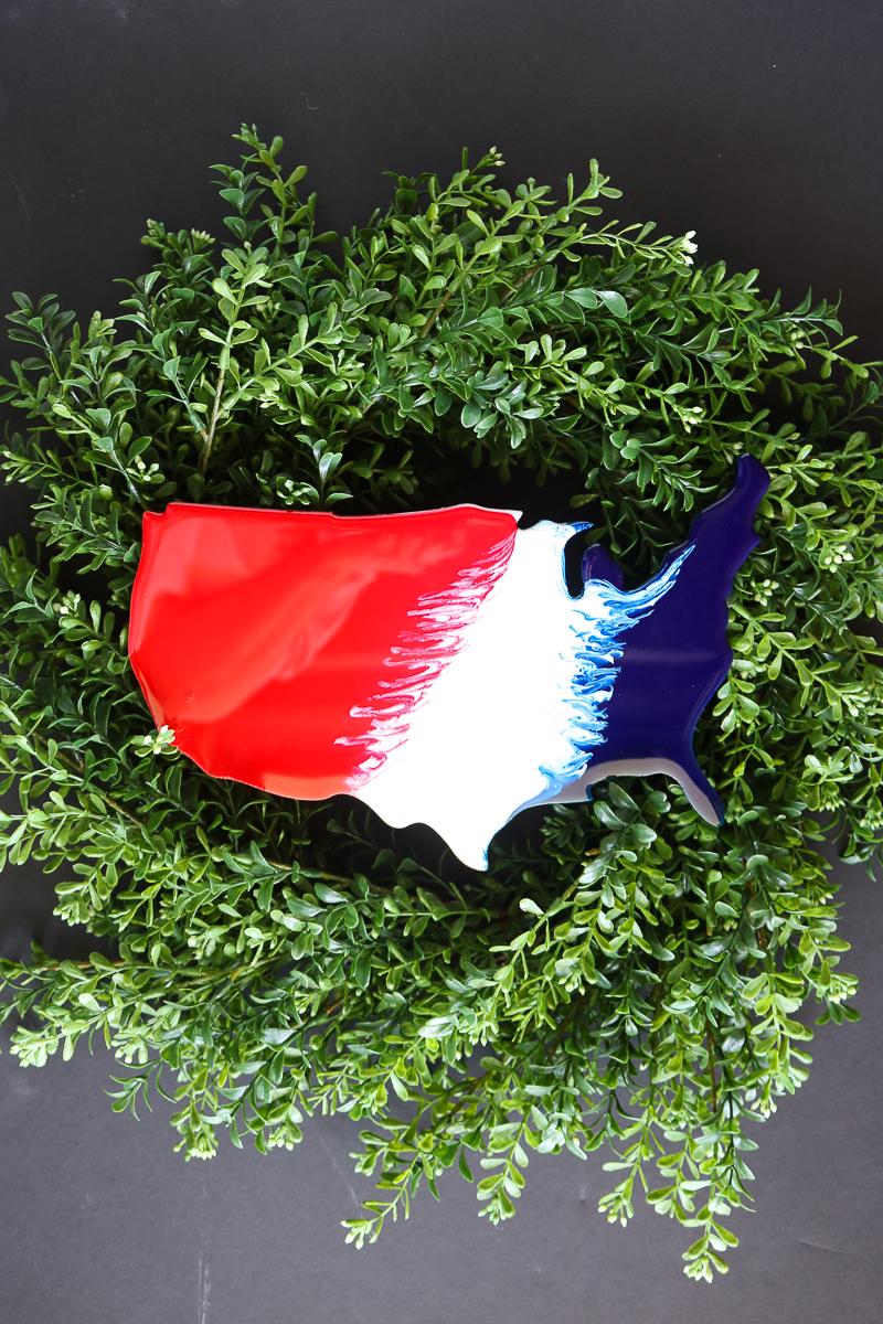 patriotic farmhouse wreath idea with resin