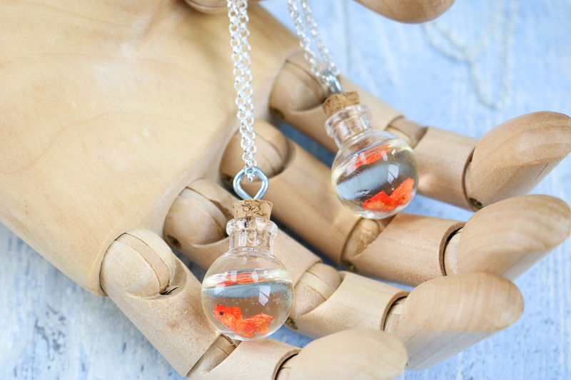 how to make a fish necklace