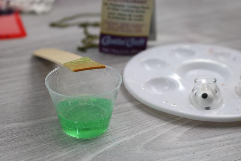 adding transparent tint to resin