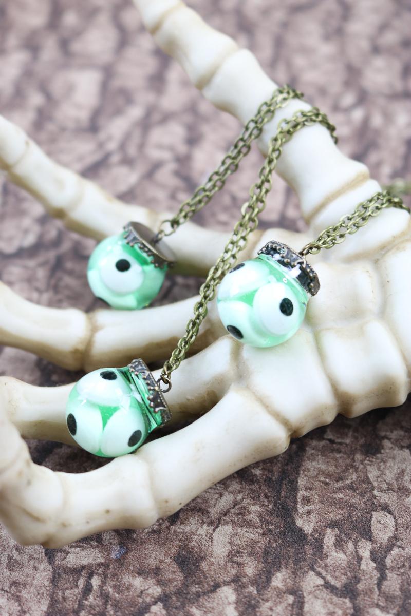 diy halloween necklace