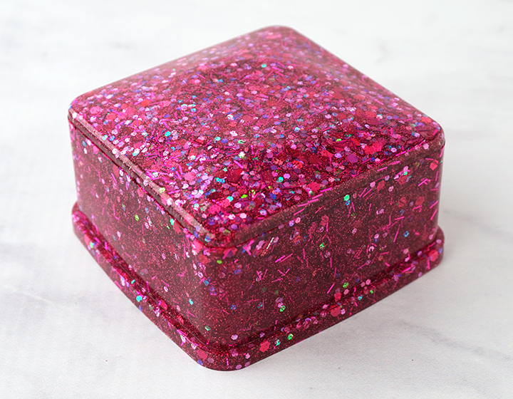 Glittered Resin Trinket Box with Lid on
