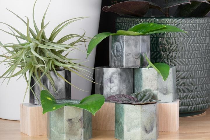 epoxy resin spring planters