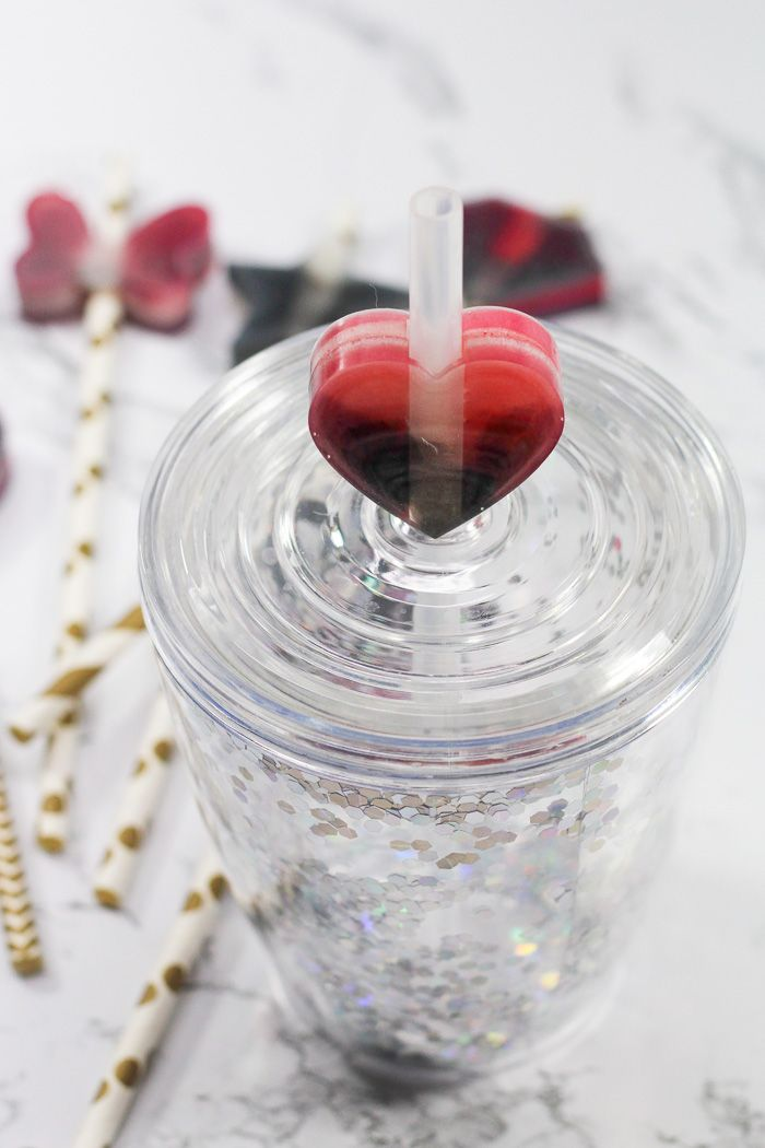 Learn to make these adorable resin straw toppers with EasyCast Clear Casting Epoxy.