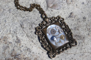 Steampunk Resin Necklace Pendant DIY