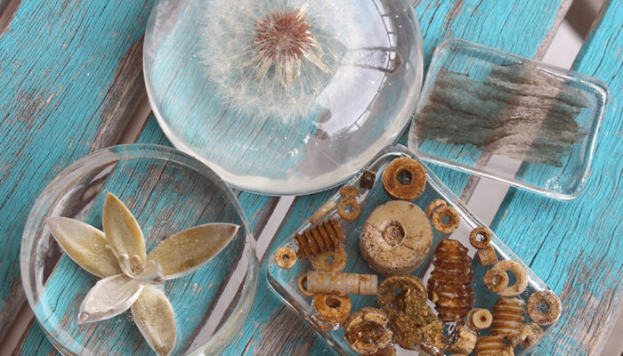 DIY: Clear Casting Resin Paperweights