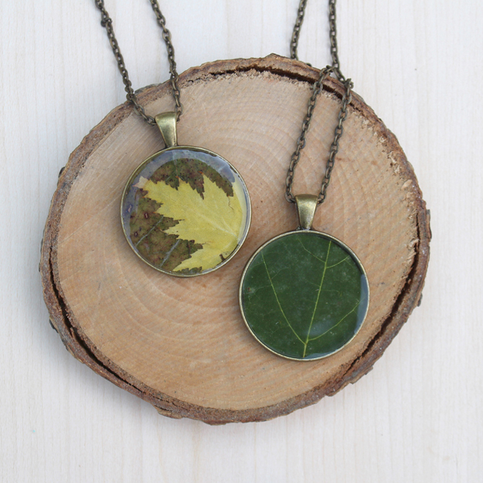 Autumn Leaf Resin Pendant DIY - Resin Crafts