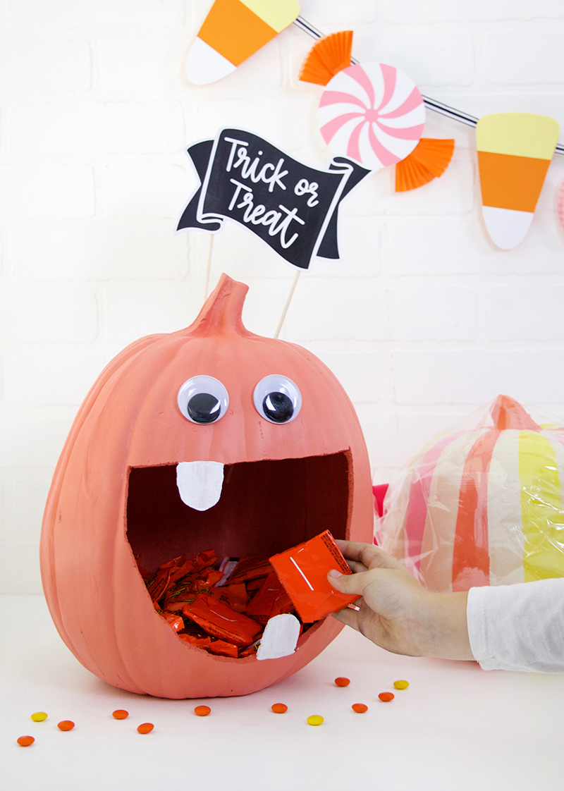 10 Creative DIY Halloween Decorations - Resin Crafts