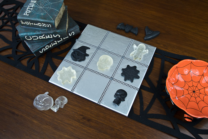 resin Halloween decorations - tic tac toe resin game - finished tic tac toe game with resin play pieces