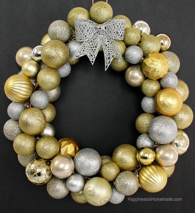 Resin Crafts Blog   DIY Wreath   DIY Decor   DIY Christmas   Christmas Decor   Christmas Wreaths   Easy Decor  