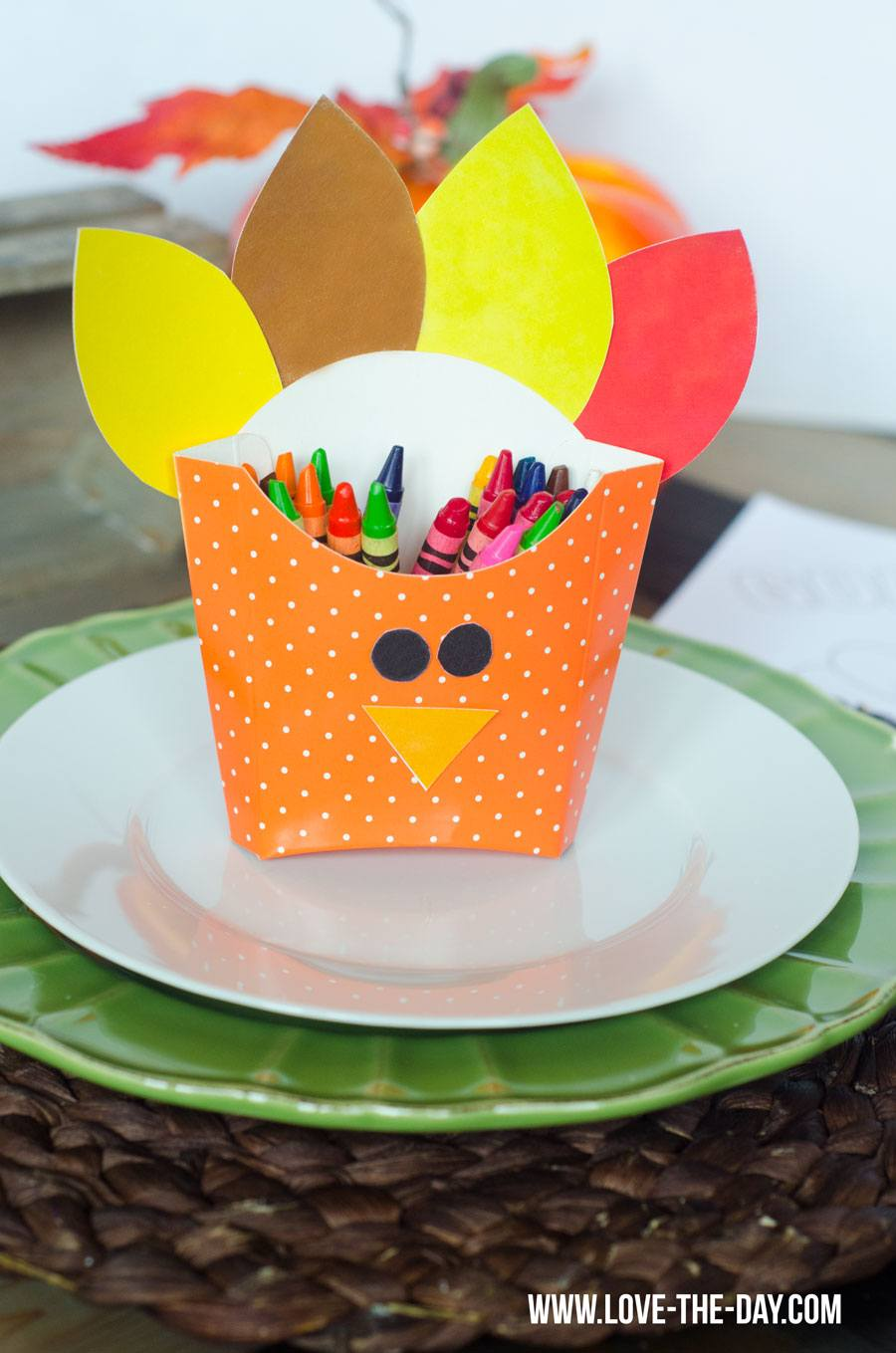 Resin Crafts Blog | DIY Crafts | DIY Kids Activities | Fall Crafts for Kids | DIY Thanksgiving Decor |