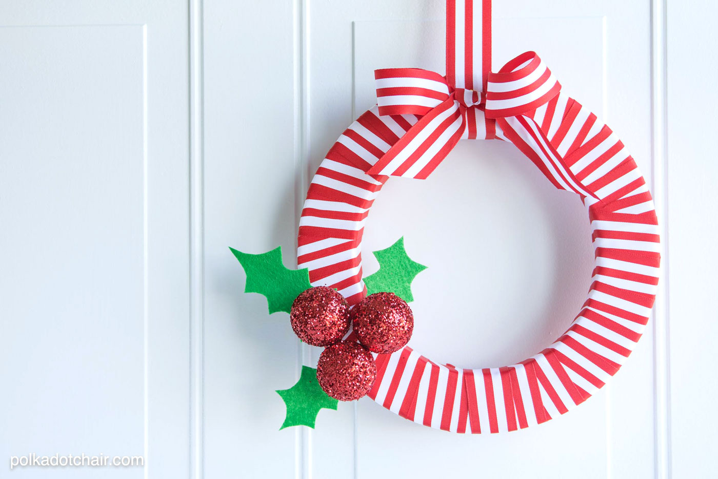 Resin Crafts Blog | DIY Wreath | DIY Decor | DIY Christmas | Christmas Decor | Christmas Wreaths | Easy Decor |