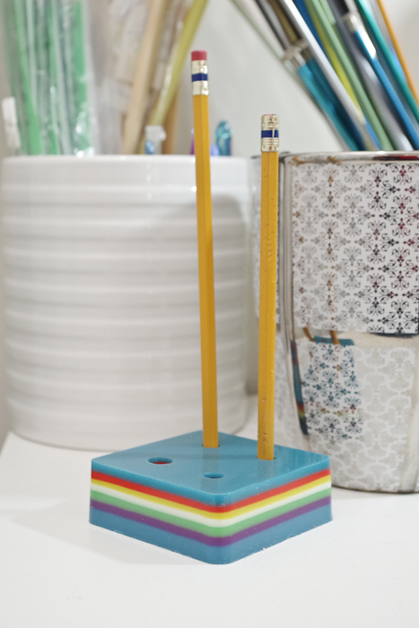 Layering Resin - DIY Pencil Holder- final image vertical