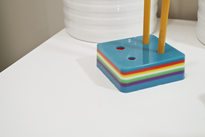 Layering Resin - DIY Pencil Holder- final image horizontal