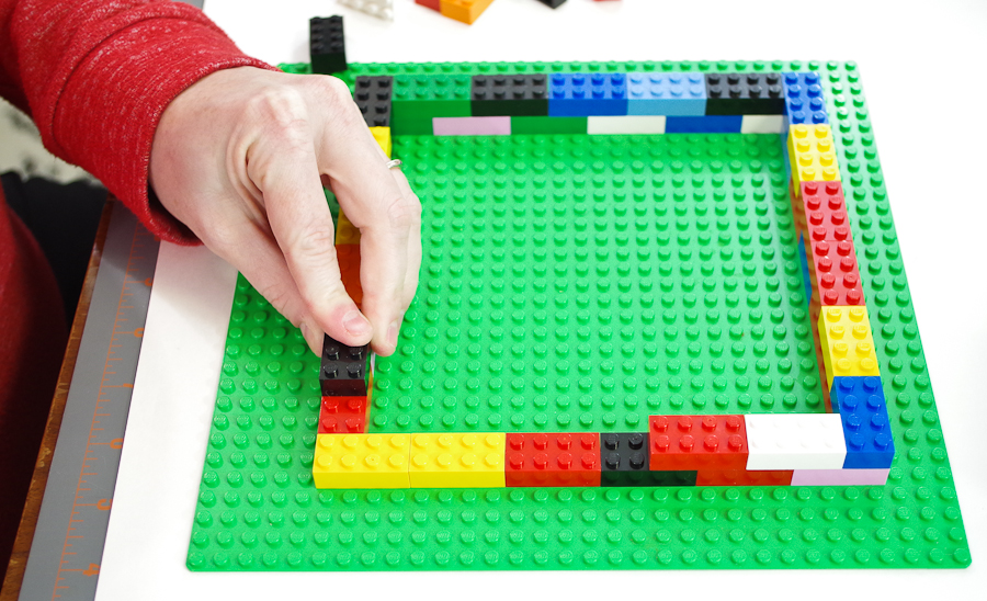 DIY Lego Mold using silicone rubber - build second layer of blocks