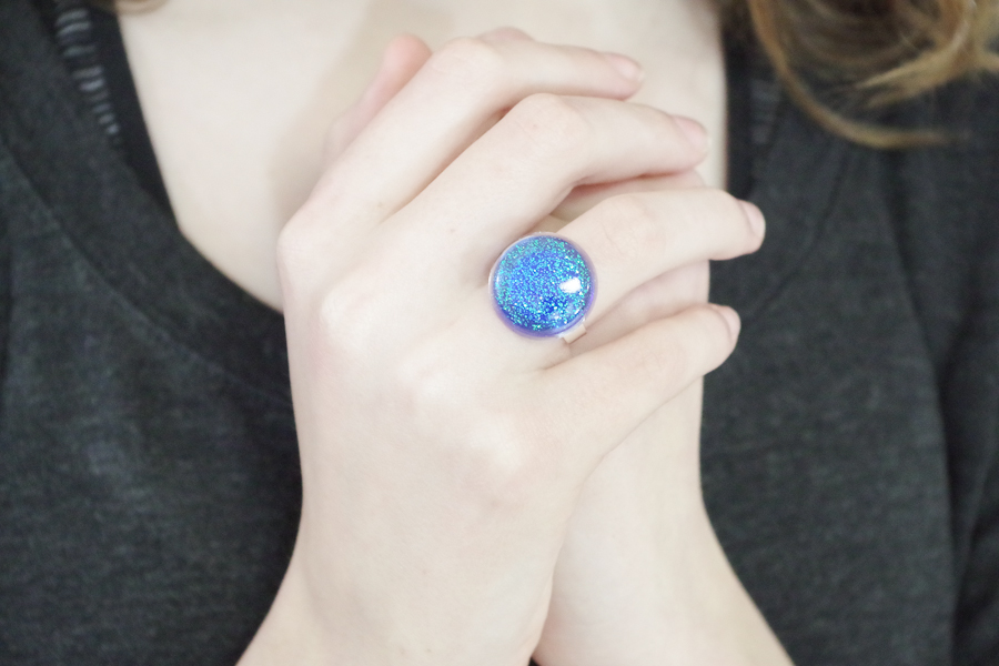 Resin Glitter Rings- blue circle final photo1