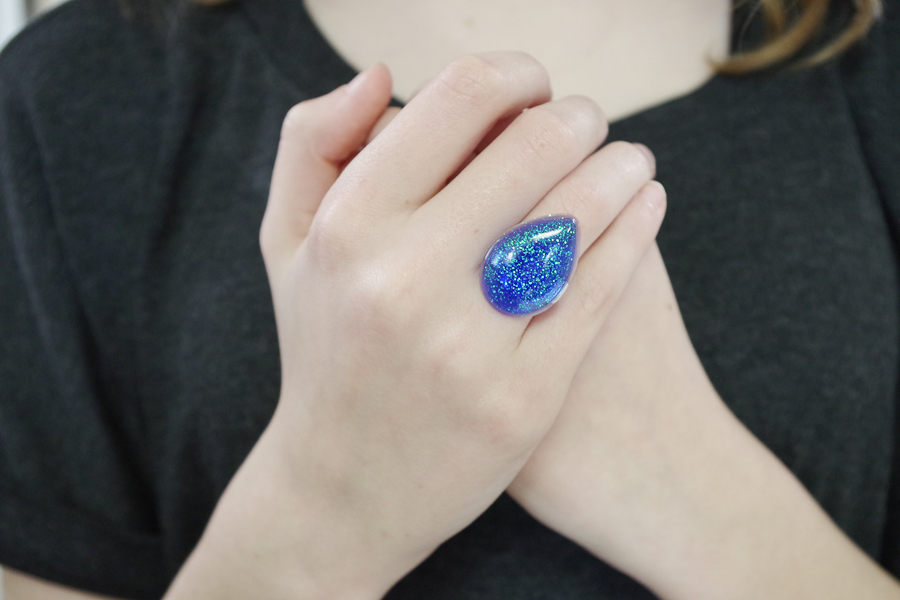 Resin Glitter Rings- blue teardrop final photo