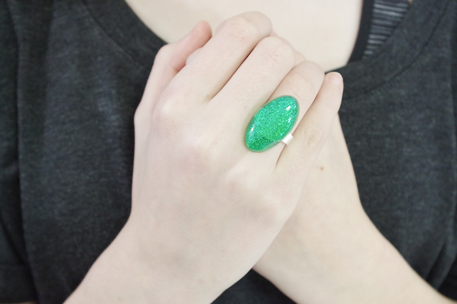 Resin Glitter Rings-green oval final photo