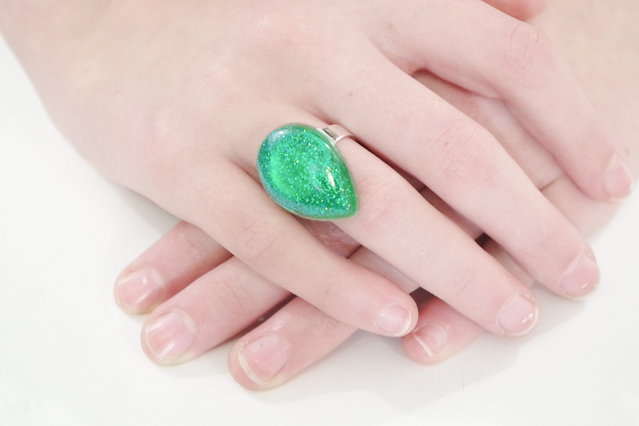 Resin Glitter Rings- green teardrop final photo