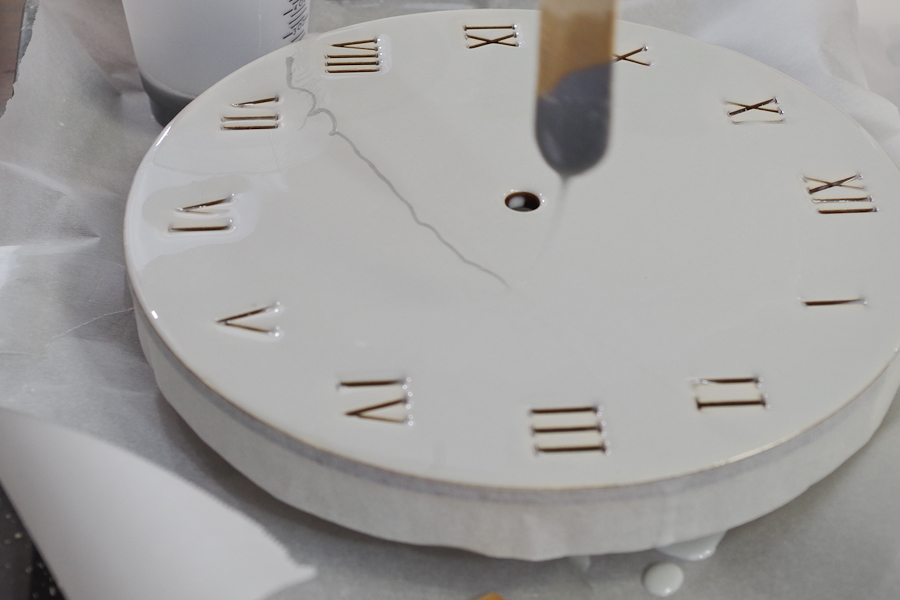 Wood and Resin Clock- use mixing stick to drip lines of silver and black