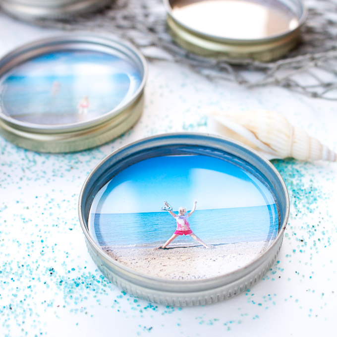 Such a sweet idea! DIY photo coasters with #resin and mason jar lids. #resincrafts #keepsake #giftidea #masonjarcrafts
