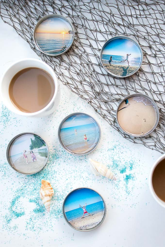 Capture those summer memories! DIY photo coasters with resin and mason jar lids. #resincrafts #keepsake #giftidea #masonjarcrafts