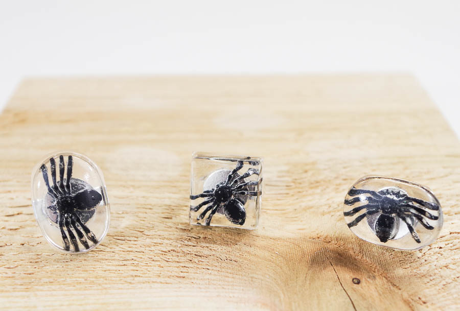 DIY Spider Resin Rings - finished horizontal