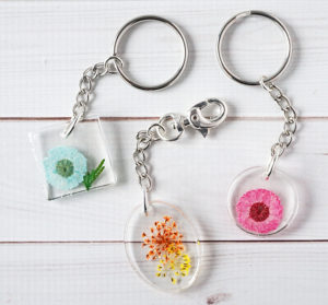 DIY Resin Flower Keychains