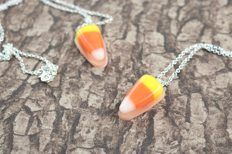 making a fall necklace with candy corn