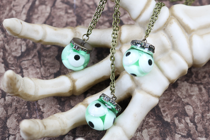 diy eyeball necklace