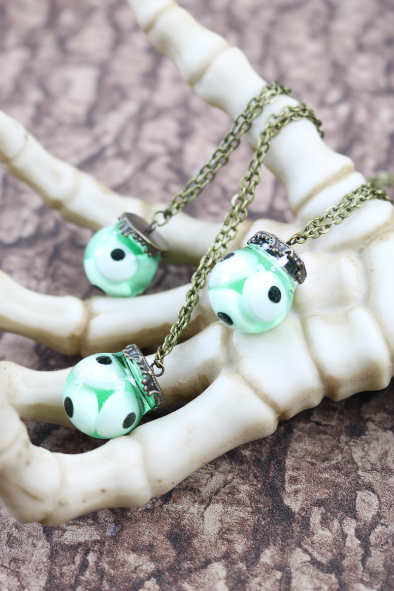 diy halloween necklace