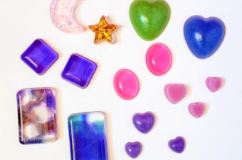 Different ways to color resin