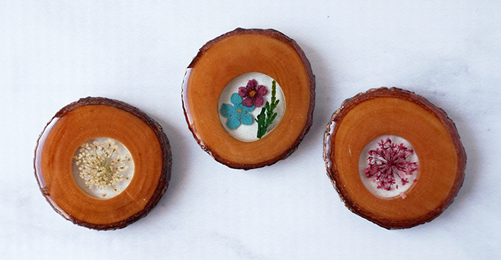 Wood Slices and Flowers with Resin