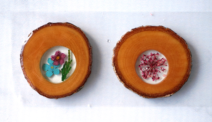 Wood Slices with Flowers covered in resin