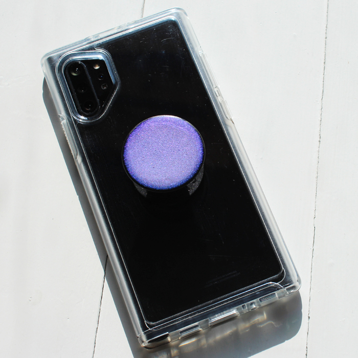 POP Socket craft using color shift pigment and Envirotex Lite Pour-On High Gloss Finish