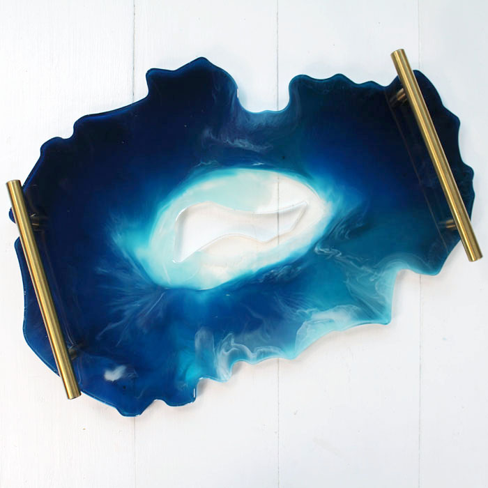Make a faux agate resin tray to use as a drink server, catch-all, decor/converstation piece or for parties and entertaining. Pick your favorite colors to create a gorgeous work of art.