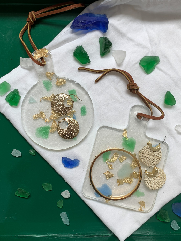 Use these resin trinket trays to hold jewelry or as decorative art hung on the wall.