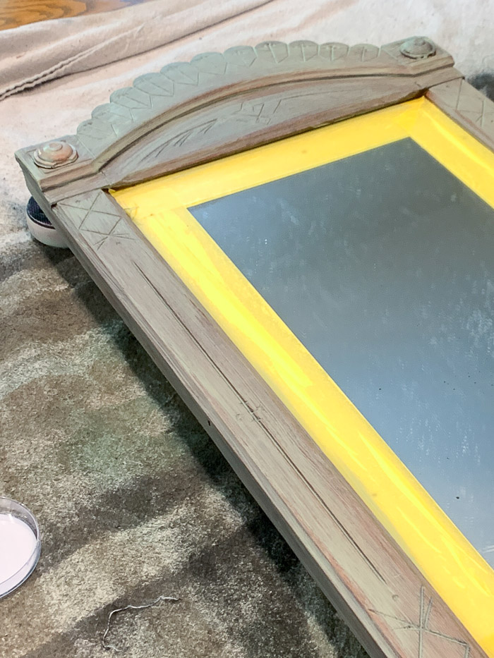 This mirror makeover with a DIY furniture applique and chalk paint turned out gorgeous.