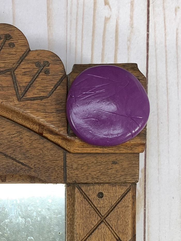 See how she used EasyMold silicone putty to make a DIY mold for furniture makeovers.